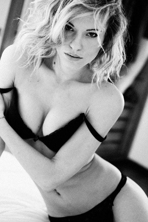 boobs-blondes