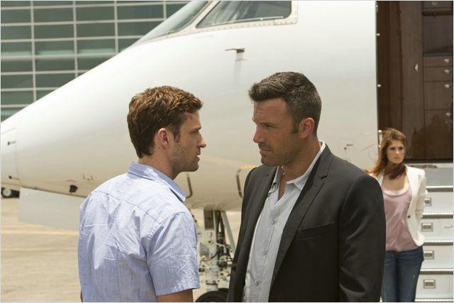 Richie (Justin Timberlake) et Yvan (Ben Affleck) en face à face