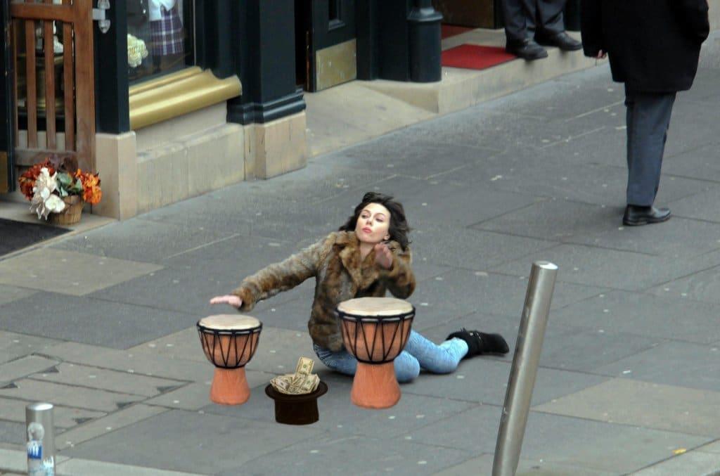 Scarlett Johansson Falling Down2