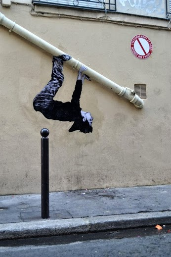 Street art in Paris, France, by Lavalet -Paresse-green-street-art