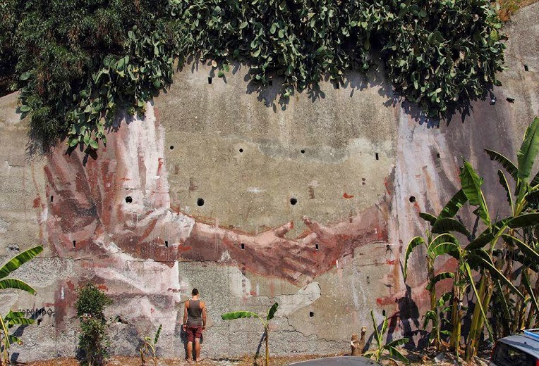 Street art in Pizzo, Italy, by Borondo (1)-love-street-art