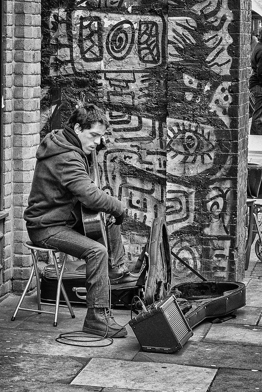 Street Musician by gdackys
