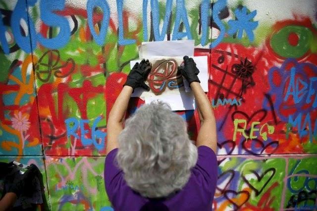 Ta-grand-mère-fait-du-street-art-2