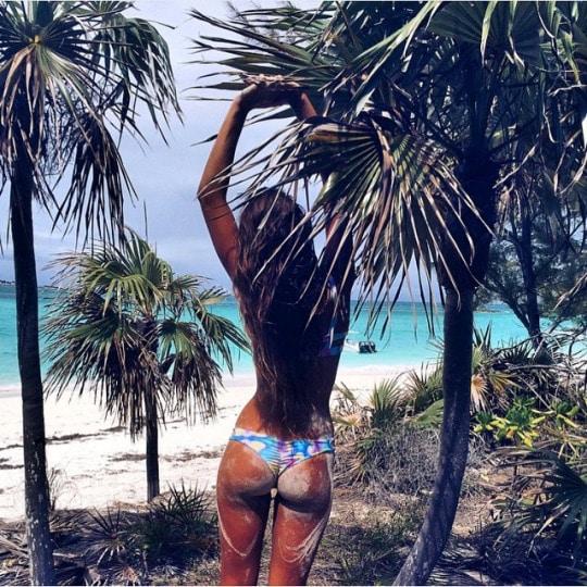 bikini-coquillage-et-crustacés