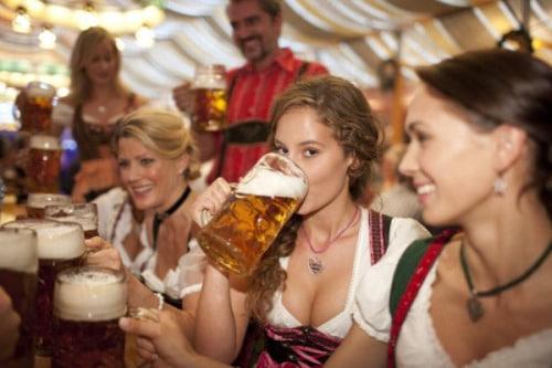 biere-girl-histoire-de-la-biere-oktoberfest