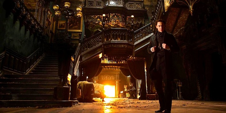 Tom-Hiddleston-in-Crimson-Peak