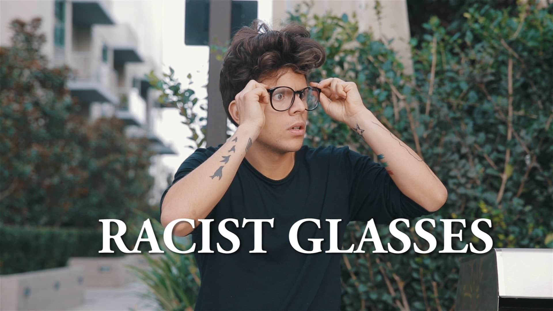 lunettes raciste